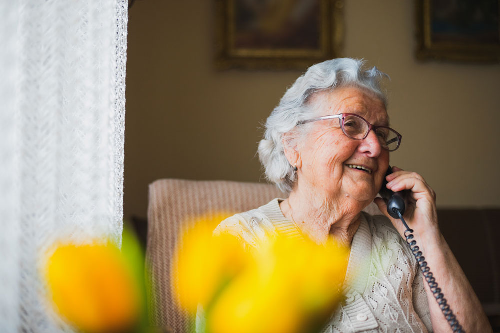 Senior resident contact ACOFA